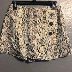 Zara Snake print skirt /shorts